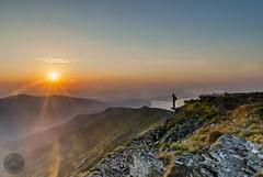 Wschód na Diablaku (lukaszdylka) Tags: sunset sky man poland magichour babiagóra wschódsłońca diablak godlenhour złotagodzina