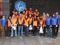 Equipo de NCCFEP con los voluntarios del Ayuntamiento de Madrid