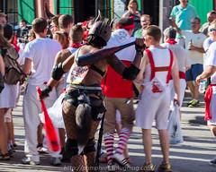Raging Bull (Tom Pumphret) Tags: fun crowd running bulls event safe 504 sanfermininnuevaorleans sanfermininnuevaorleansnola sfnola14 bulls2014nolabulls elencierrotravel