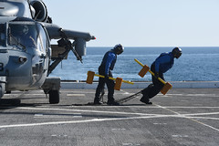 170404-N-RC734-065 (U.S. Pacific Fleet) Tags: usssandiego lpd22 pmint abh aviationboatswainsmate mh60s seahawk hsc23 pacificocean