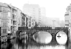 NIKON FG  Nikkor 35 105 APX 100 New LC29 (Leinik) Tags: nikon fg nikkor 35 105 apx 100 new lc29 urban ville town riviere river castres