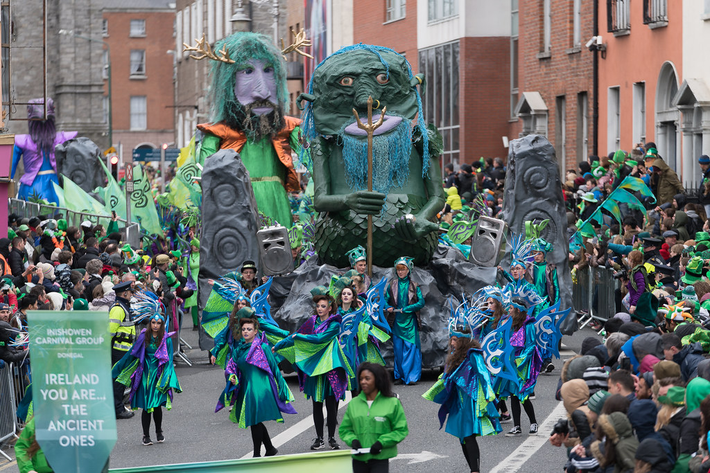 THE INISHOWEN CARNIVAL GROUP [PATRICKS DAY PARADE IN DUBLIN 2017]-126019