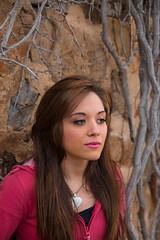 PENSANDO (josesanchezortega) Tags: roja pensando modelo guapa momento model pose