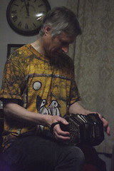 Mat Green & Andy Turner (2017) 02 - Andy Turner (KM's Live Music shots) Tags: folkmusic greatbritain englishfolk englishcountrydance matgreenandyturner andyturner jeffriesconcertina angloconcertina concertina musicaltraditionsclub kingqueen