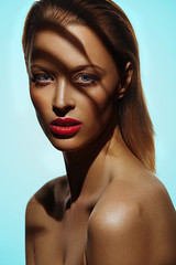 Dana Palm (oliverdias) Tags: model tan skin make up hardlight studio studiolighting bronze