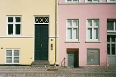 Pastels (karstenphoto) Tags: pastel yellow pink color hue home houses house copenhagen københavn denmark danmark 35mm film filmisnotdead ishootfilm analog leica m4 ektar kodak kodakalaris alaris filmisalive c41 colornegativefilm