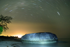 Jelang Subuh Selatan Belitong (eddie_app) Tags: light seascape beach nature stone night sunrise landscape photography star nightscape nightshot trails astro trail pantai astronomi belitung belitong membalong
