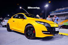 Renault Mégane R.S. (AutoCustom) Tags: yellow renault amarelo sambódromo renaultsport meganers superesportivo carroesportivo esportivodefábrica