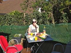 Jacqueline aan het ontbijtje
