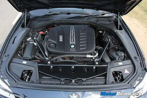 2014-BMW-5-Series-43