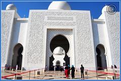 Abu Dhabi, United Arab Emirates (Wioletta Ciolkiewicz) Tags: city building capital ciudad mosque arabic abudhabi emirate unitedarabemirates citt zea miasto budynek stolica sheikhzayedbinsultanalnahyan meczet emiratiarabiuniti  emiratosrabesunidos sheikhzayedgrandmosque  uaezjednoczoneemiratyarabskie wiolettaciolkiewicz