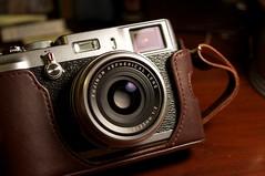 camera fujix100