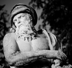 Statue (Alexa Kehailia) Tags: canon eos voigtlander 5d 8528 dynarex
