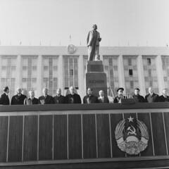 Lenin, Brezhnev, Bodiul etc. (1976). (Ion Chibzii) Tags: lenin leonidbrezhnev ivanbodiul
