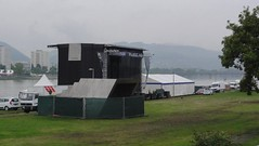 Linz (austrianpsycho) Tags: linz stage linzfest abbauen bühne aufräumen bühneimdonaupark linzfest2014