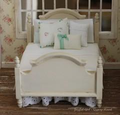 sweet dreams (*Joyful Girl ♥ Gypsy Heart *) Tags: vintage wooden bed cream double fabric etsy 112 dollhouse joyfulgirlgypsyheart