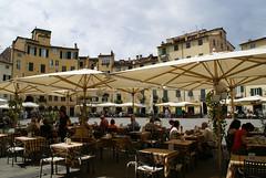 Lucca, Piazza Anfiteatro (HEN-Magonza) Tags: italien italy italia lucca tuscany toscana toskana piazzaanfiteatro