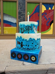 STL250 Cake at National Blues Museum / MX Complex in St. Louis, MO_20140604_151710 (Wampa-One) Tags: music records cakes cake museum blues 45s washingtonave stlouismo nationalbluesmuseum stl250 cakewaytothewest nationalbluesmuseummxcomplex mxcomplex