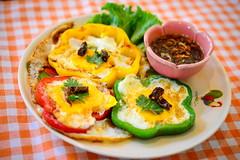 ไข่น้ำดอกไม้ เมนูไข่ สร้างสรรค์จากร้านบ้านต้นไข่ ย่านประชาชื่น