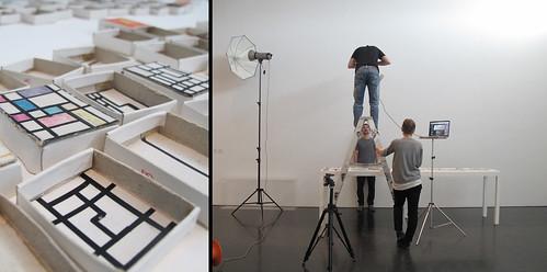 Reportatge fotogràfic d'obres de l'exposició 'Just davant nostre. Altres cartografies del RIF', per Gasull Fotografia