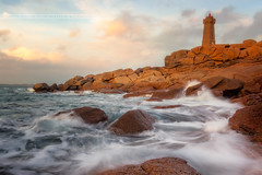 Ploumanac'h (f.ray35) Tags: seacape lighthouse light sunset long exposure canon 700d phare bretagne brittany côtes darmor 22 breizh bzh breton rochers rock granit rose lumière