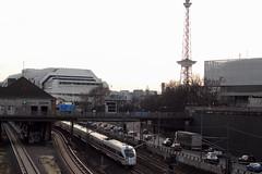 Trasse (Georg Brutalis) Tags: a100 autobahn charlottenburg funkturm icc ice messenord messegelände sbahnhof stadtautobahn witzleben zug