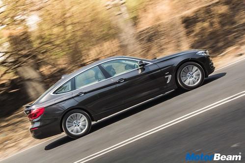 2017-BMW-GT-330i-18