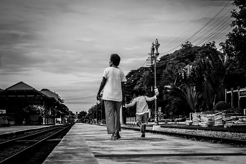 Joyful Walk with Grandma | Hua Hin Railway Station | Bangkok 2016
