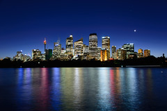 Sydney, Australia - Skyline (GlobeTrotter 2000) Tags: sydney australia visit travel tourism vacation cityscape blue hour skyline night reflections royal botanical garden macquaries point view