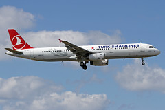 TC-JRF LMML 23-04-2017 (Burmarrad) Tags: airline turkish airlines aircraft airbus a321231 registration tcjrf cn 3207 lmml 23042017