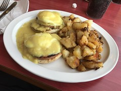 Lunch (_BuBBy_) Tags: coney httpwwwconeyislanddinercom island diner ashburn virginia va eggs benedict home fries potatoes 44121 harry byrd hwy 100 20147