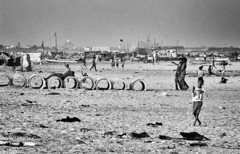 Different echosystem (Angelo Petrozza) Tags: india tamilnadu south beach sea chennai spiaggia madras pentaxk20d angelopetrozza blackandwhite biancoenero landscape panorama