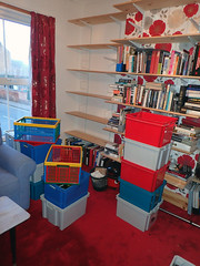 2017_04_100002 (Gwydion M. Williams) Tags: books bookcases sorting coventry britain greatbritain uk england warwickshire westmidlands chapelfields sirthomaswhitesroad
