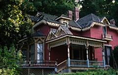 Eureka Springs Victorian (Stabbur's Master) Tags: victorianarchitecture victorianhouse gingerbreadtrim gingerbread arkansas eurekasprings rosalie rosalievictorianhouse eurekaspringsrosalie