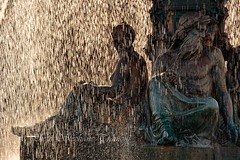Purple rain ? (steff808) Tags: lisboa portugal pt lisbonne lisbon fontaine fountain fuente rossio praçadonpedroiv nikond750 nikon24120