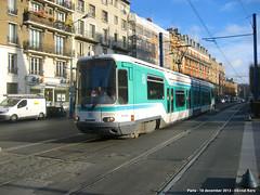 Boulevard Carnot (ernstkers) Tags: lightrail paris streetcar tram tramvia tranvia trolley strasenbahn t1 eléctrico spårvagn bonde
