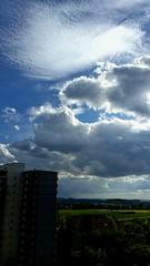 Interessantes Wolken-Foto- Interesting clouds. (eagle1effi) Tags: sky clouds yahoo himmel wolken samsung smartphone galaxy fotos cumulus hsr android wetter bestofflickr wather s5 wolkenfoto eagle1effi samsunggalaxys5 flickr30app samsungsmg900f