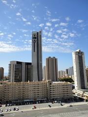 Situado en la Cala de Benidorm, cerca de todos los servicios. Solicite más información a su inmobiliaria de confianza en Benidorm  www.inmobiliariabenidorm.com