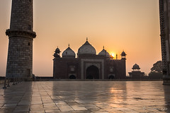 Taj Sunrise 7867 (Ursula in Aus) Tags: india architecture taj tajmahal mosque unesco masjid uttarpradesh earthasia