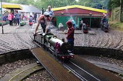 IMGP2391 (Steve Guess) Tags: uk england train miniature engine railway loco trains surrey steam everglades gb locomotive hardwick chertsey 725 sevenandaquarter