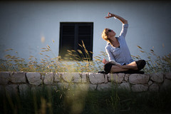 on the wall.. (paul.wienerroither) Tags: travel light portrait girl grass yoga canon photography 50mm lights