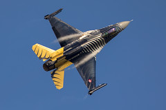 Solo Turk - F-16 Fighting Falcon - Royal International Air Tattoo 2014 - RAF Fairford