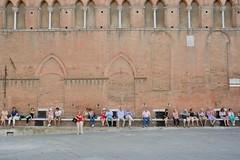 Pause  Sienne (Nijule) Tags: wall bench nikon italia tuscany siena toscana toscane mur italie sienne banc 2014 d7100