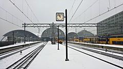 Afscheid van de winter (Peter ( phonepics only) Eijkman) Tags: amsterdam city nederland netherlands nederlandse noordholland ns nederlandsespoorwegen spoorwegen spoor rail railways rails railway railwaystations stations winter holland