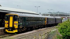 153318 - GWR Barnstaple March 2017 (Dave Growns) Tags: 153318 gwr gwrgreen class153 dmu uk train trainstation barnstaplerailwaystation barnstaple devon exeter exmouth publictransport railway