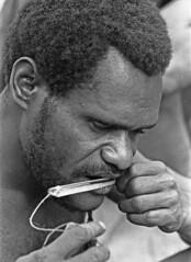 album2film170foto019 (Melanesian cultures) Tags: baliem baliemvallei sibil sibilvallei josdonkers eranotali wisselmeren papua irian jaya nieuwguinea