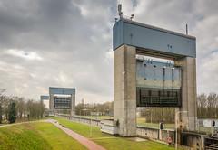 sluis Weurt-12 (stevefge) Tags: weurt sluis gelderland maasenwaal canal kanaal sluice locks architecture nederland netherlands nl nederlandvandaag reflectyourworld perspective landscape