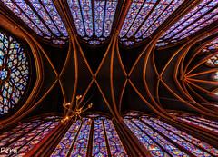 St Chapelle (Perurena) Tags: stchapelle capilla chapel iglesia arquitectura gótico realez reyes kings boveda vidrieras colores colors columnas luz light paris francia