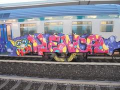 475 (en-ri) Tags: hm heads gremlin train torino graffiti writing giallo rosso fuxia lilla 2017