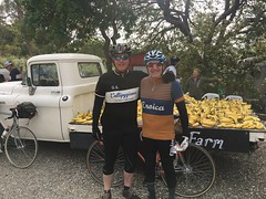 Eroica 2017, Claudio and DS at First Rest Stop - Banana boys (Max Beach) Tags: eroicacalifornia steelbikes pasorobles callipygian schwinnparamount wooljersey